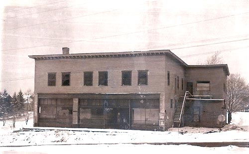 The last known photo of the Heilwood Company Store, taken in winter 1963.