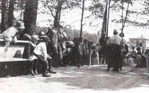 The dancefloor in Heilwood Park (1917).