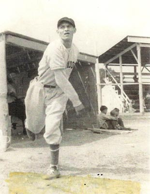 "Heilwood pitching ace John ""Hoot"" Holuta in 1939"