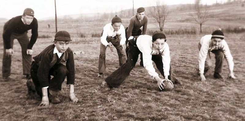 Heilwood kids playing six-man football