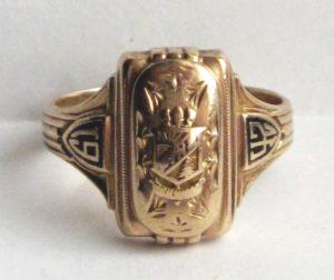 1942 class ring