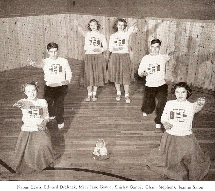 Pine Township High School cheerleaders (1949)